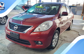 Nissan Versa Advance 2012 Rojo