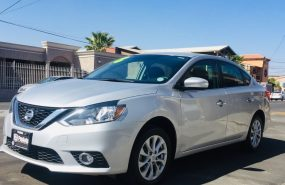 NISSAN Sentra Advance 2018 plata